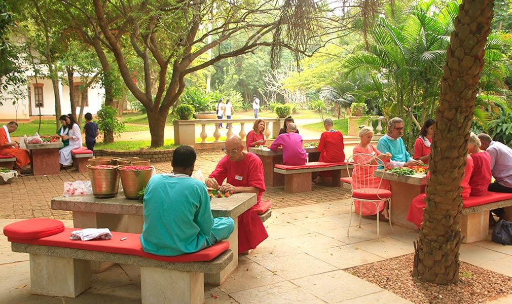 Sri Vast Center Cafe Area