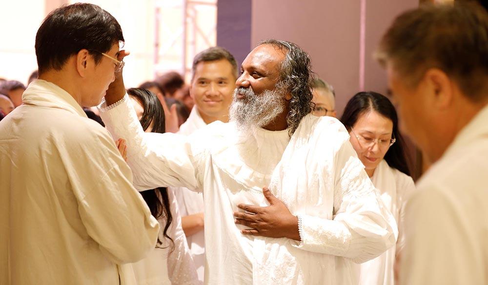 Guruji-Sri-Vast-on-Asia-tour