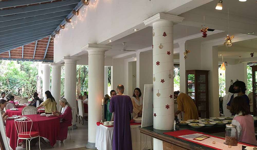 cafe-dining-dhyana-sangha