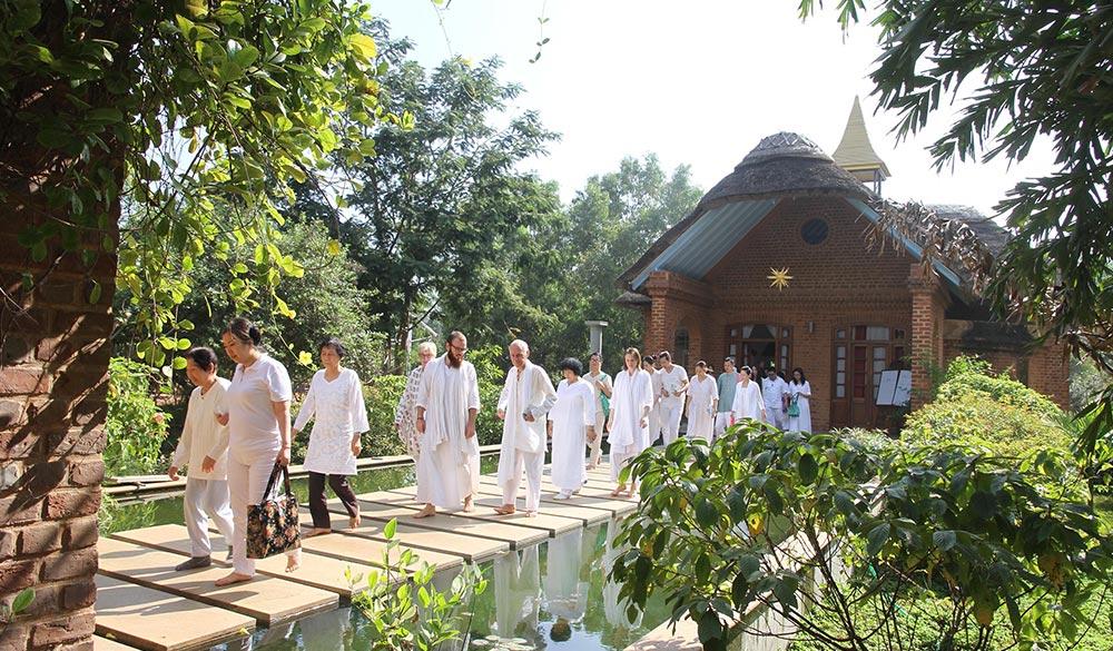 satsang-hall-at-dhyana-sangha