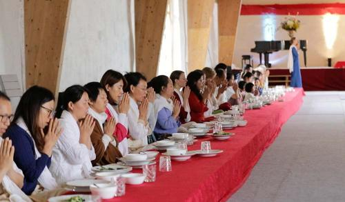 lunch-prayer-in-Divinya